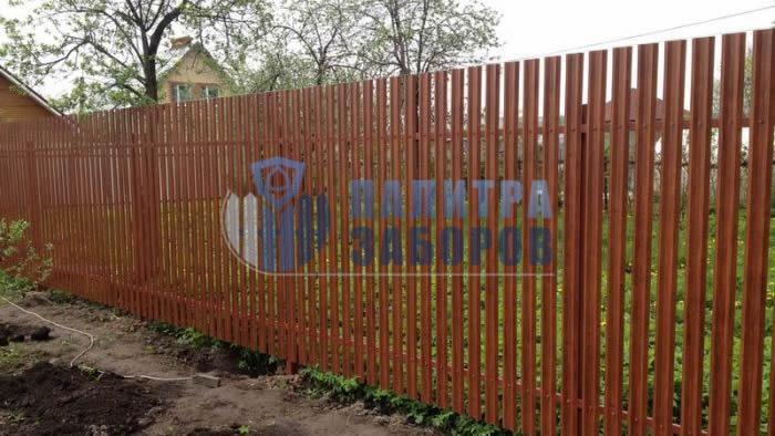 Забор из металлоштакетника под имитацию дерева 100 метров