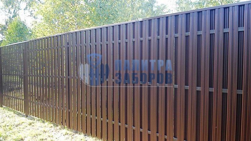 Забор из металлического штакетника шахматка 100 метров