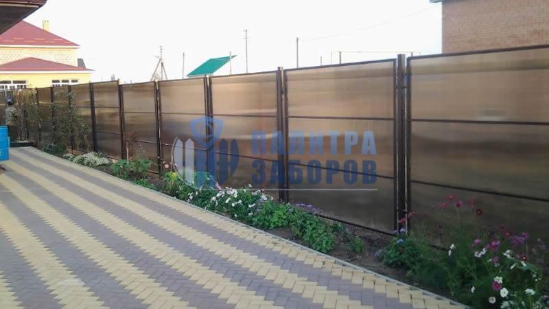 Забор из поликарбоната в секциях 100 метров