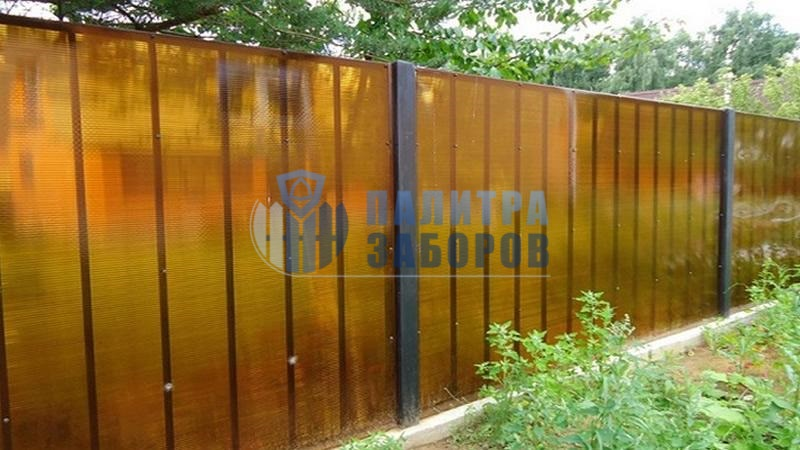 Забор из поликарбоната на ленточном фундаменте 100  метров