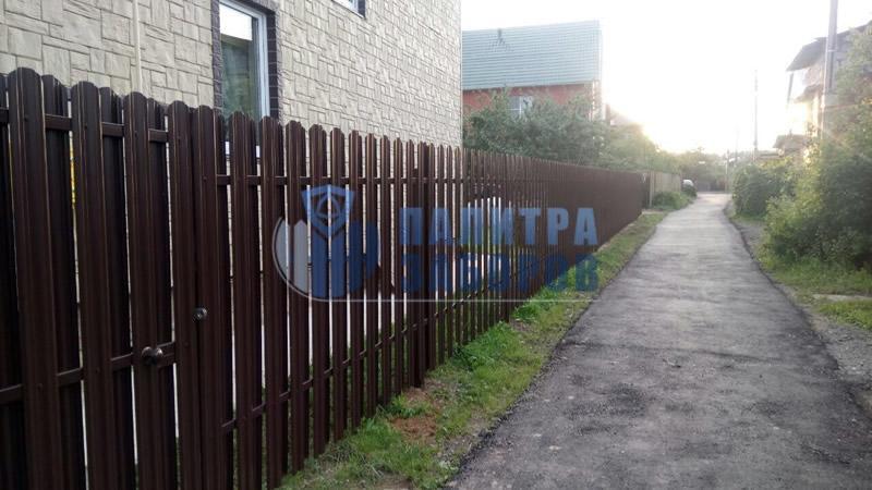 Забор из металлического штакетника покрытие с двух сторон 10 соток