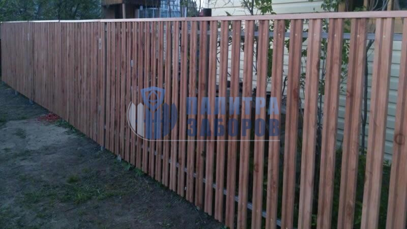 Забор из металлоштакетника под имитацию дерева 12 соток