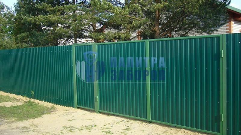 Забор из профнастила с распашными воротами и калиткой 150 метров