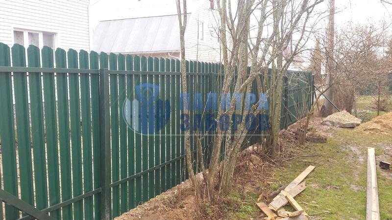 Забор из металлического штакетника покрытие с двух сторон 150 метров