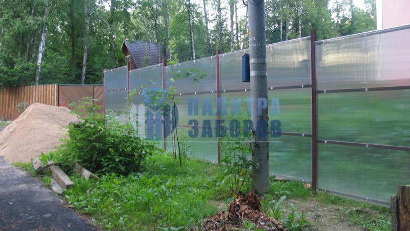 Забор из поликарбоната с утрамбовкой щебнем 200 метров