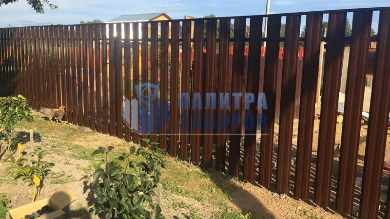 Забор из металлического штакетника покрытие с двух сторон 30 метров