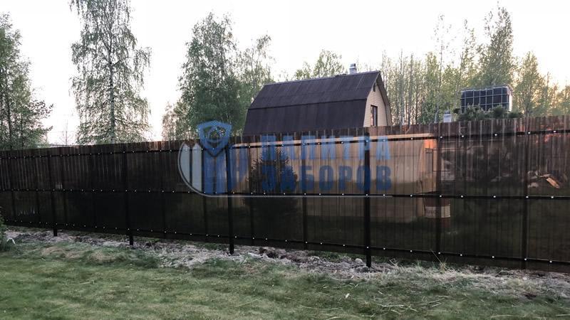 Забор из поликарбоната с утрамбовкой щебнем 50 метров