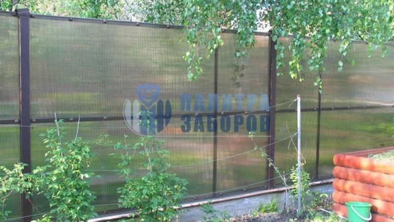 Забор из поликарбоната на ленточном фундаменте 50 метров