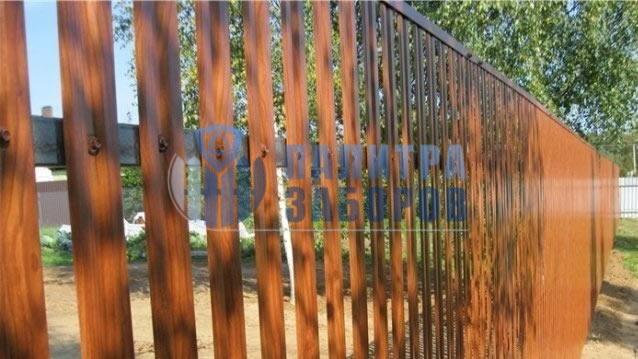 Забор из металлоштакетника под имитацию дерева 50 метров
