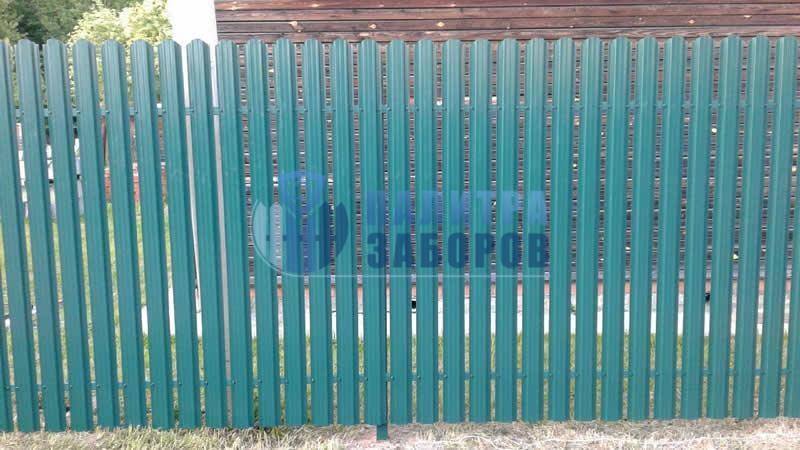 Забор из металлического штакетника покрытие с двух сторон 80 метров