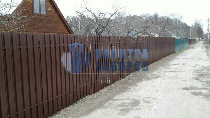 Забор из металлического штакетника с бетонированием столбов 80 метров