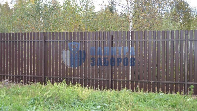 Забор из металлического штакетника покрытие с двух сторон 8 соток
