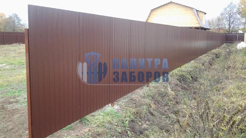 Забор из профнастила с бетонированием столбов 100 метров