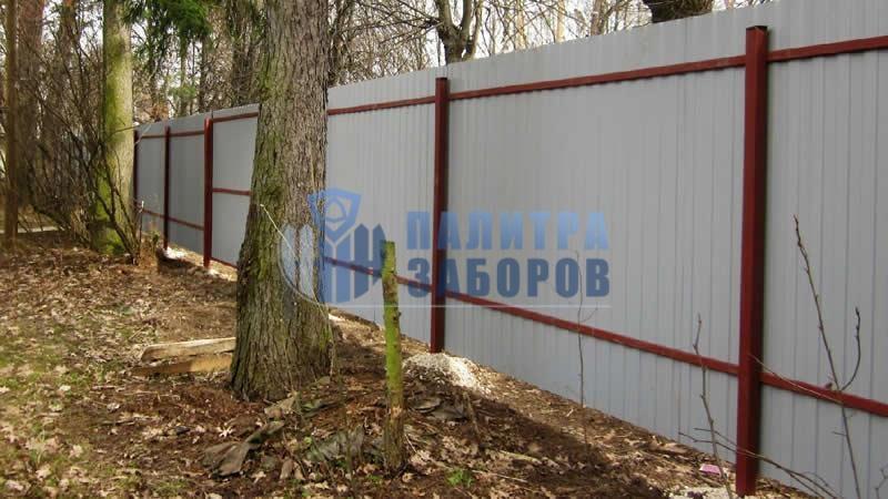 Забор из профнастила с утрамбовкой щебнем 30 метров