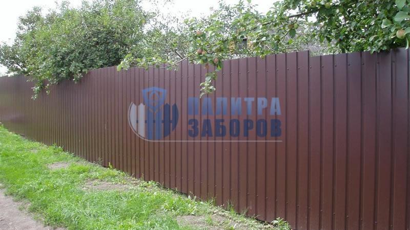 Забор из профнастила с забивными столбами 50 метров